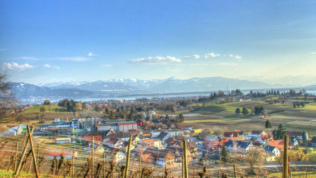 Rückschau vom Dachsberg auf Lindau (Bodensee) mit dem Entenberg und dem Hoyerberg